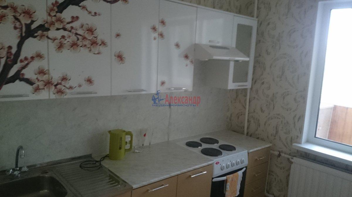 1-комнатная квартира (40м2) в аренду по адресу Маршала Казакова ул., 32/1— фото 6 из 10