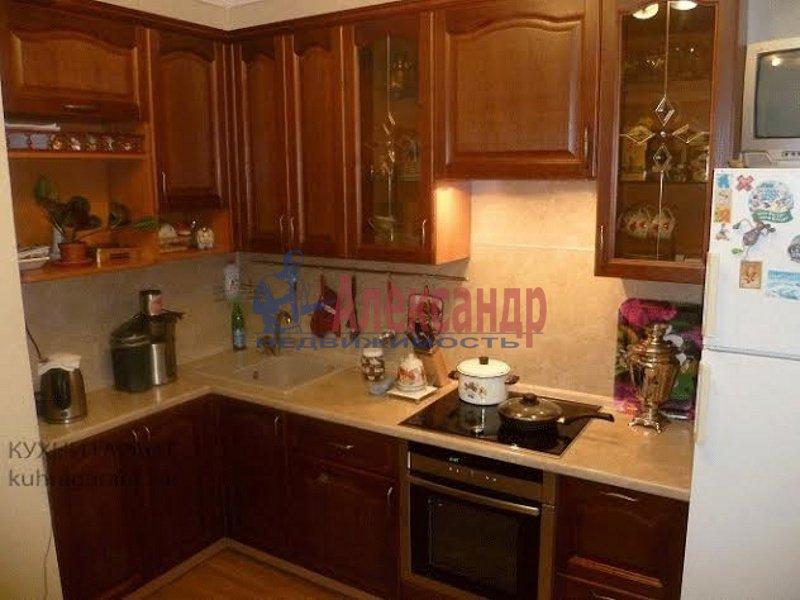 Комната в 3-комнатной квартире (66м2) в аренду по адресу Наставников пр., 30— фото 1 из 4