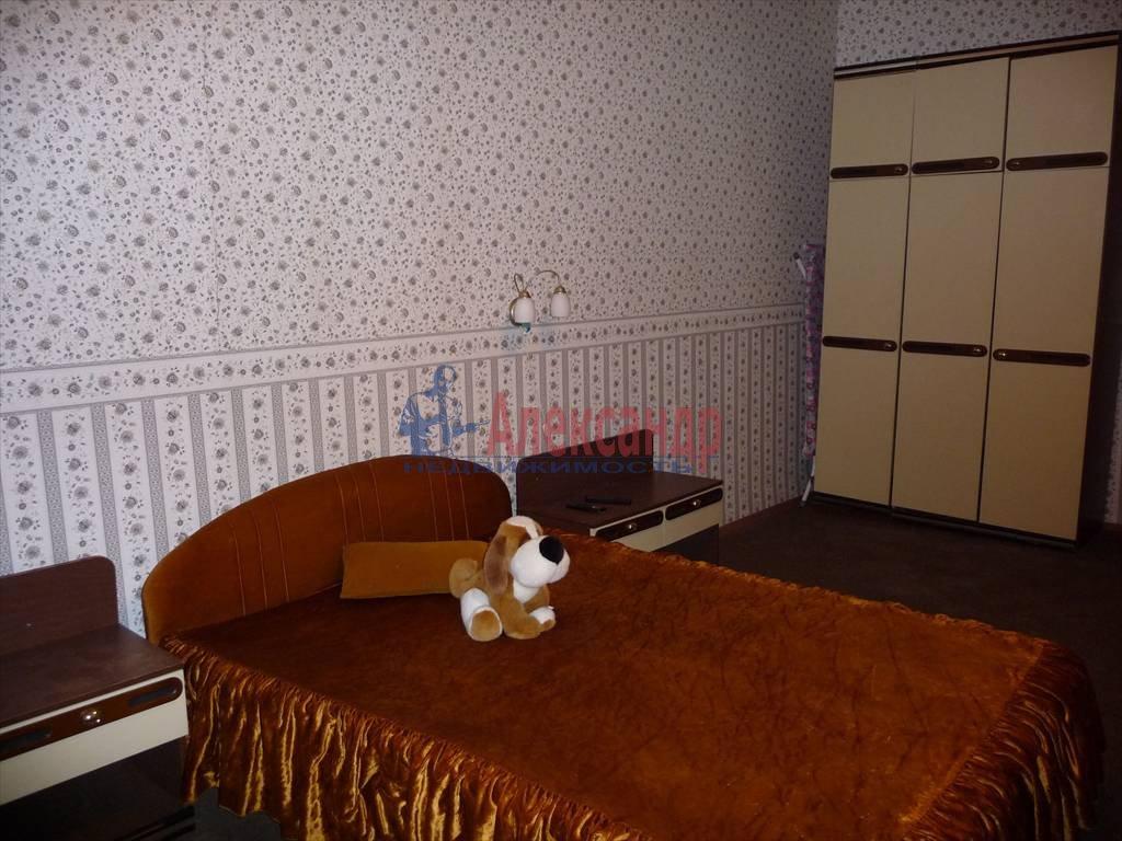 3-комнатная квартира (68м2) в аренду по адресу Невский пр., 103— фото 1 из 5