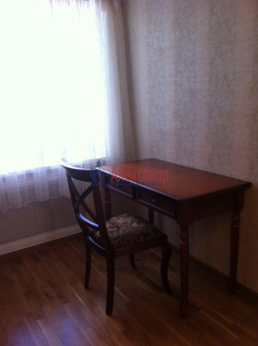 2-комнатная квартира (54м2) в аренду по адресу Новосмоленская наб., 1— фото 7 из 15