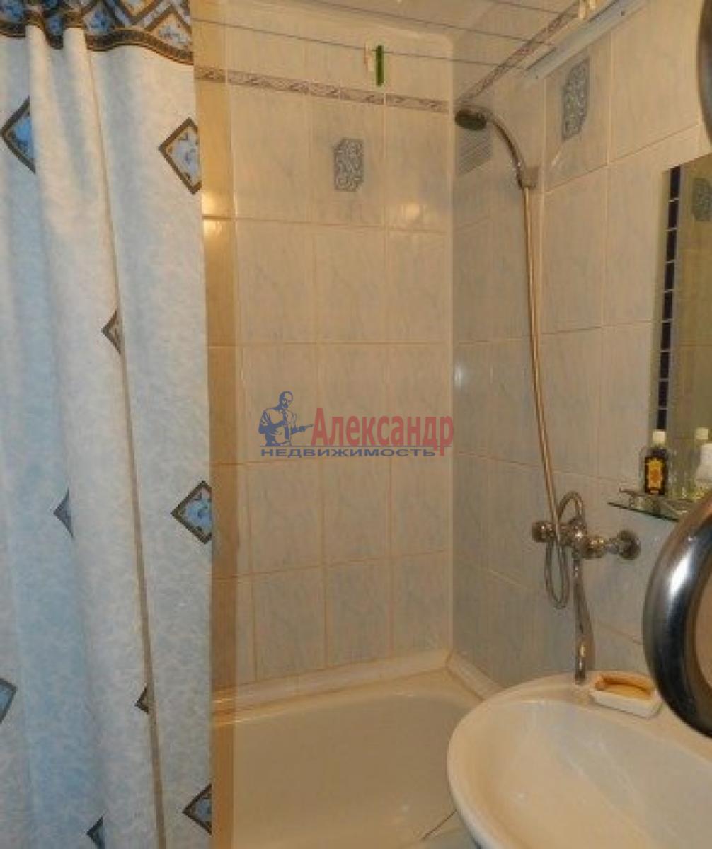 1-комнатная квартира (32м2) в аренду по адресу Большевиков пр., 21— фото 3 из 3