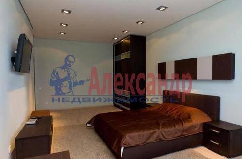 2-комнатная квартира (76м2) в аренду по адресу Савушкина ул., 143— фото 4 из 5