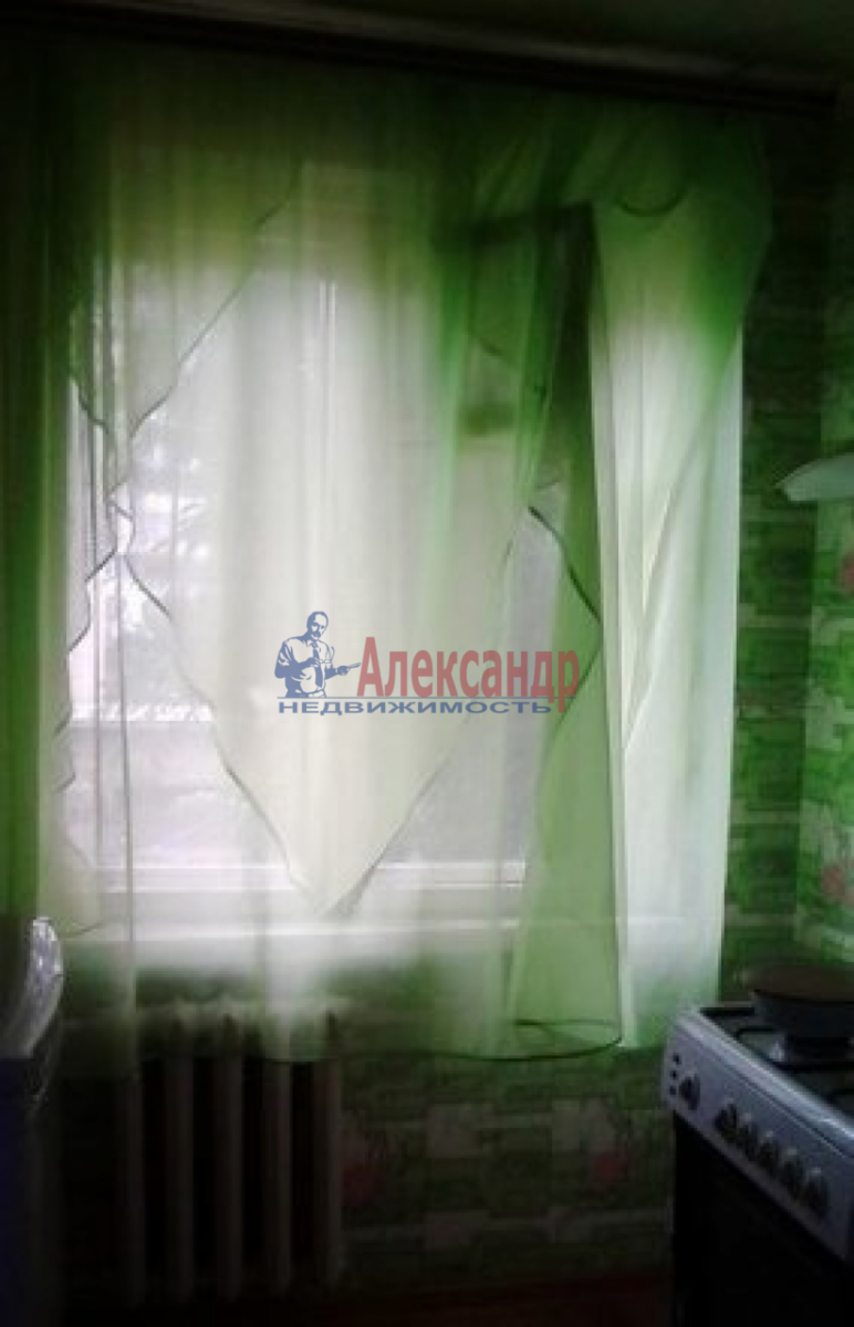 Комната в 3-комнатной квартире (63м2) в аренду по адресу Пулковское шос., 13— фото 3 из 8