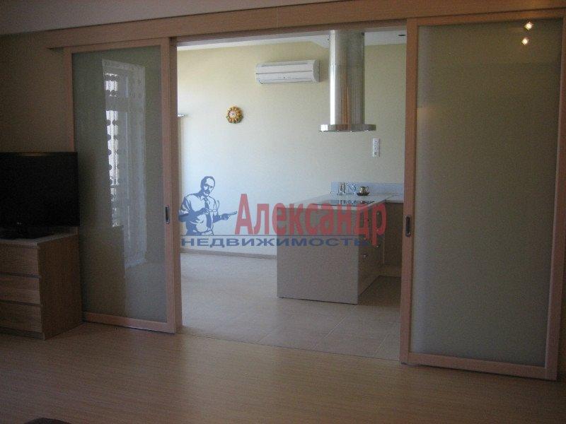 1-комнатная квартира (47м2) в аренду по адресу Кременчугская ул., 11— фото 2 из 6