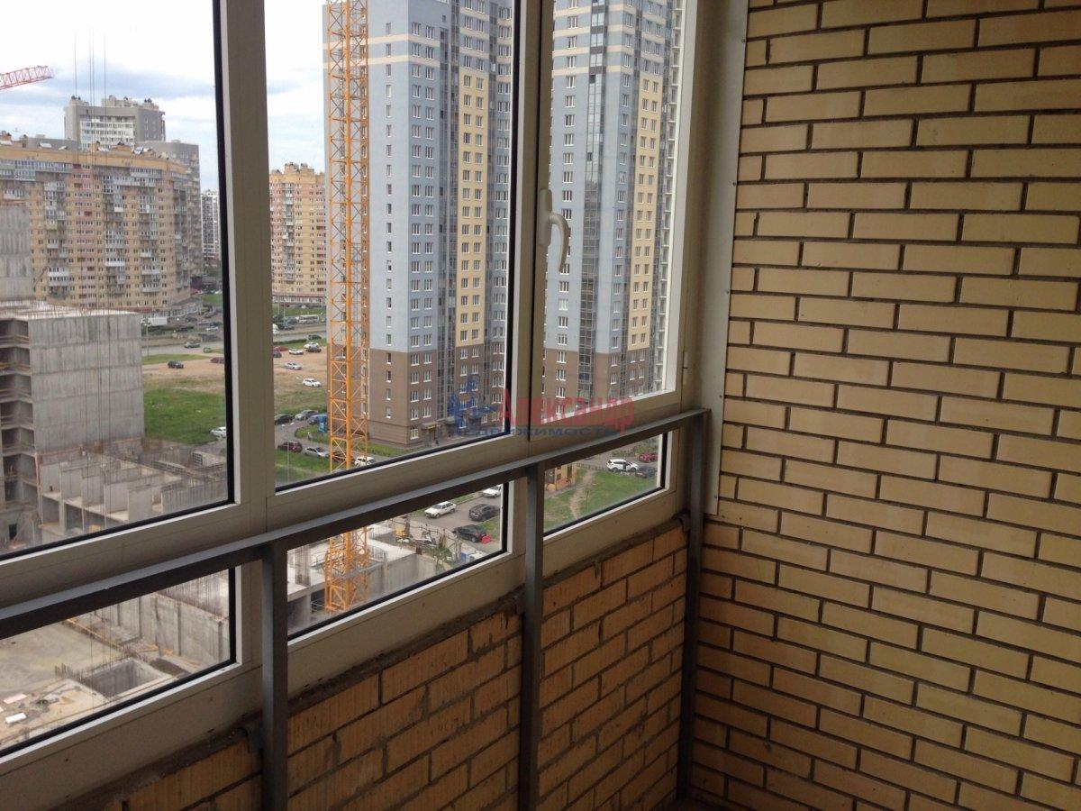 1-комнатная квартира (42м2) в аренду по адресу Оптиков ул., 35— фото 15 из 17