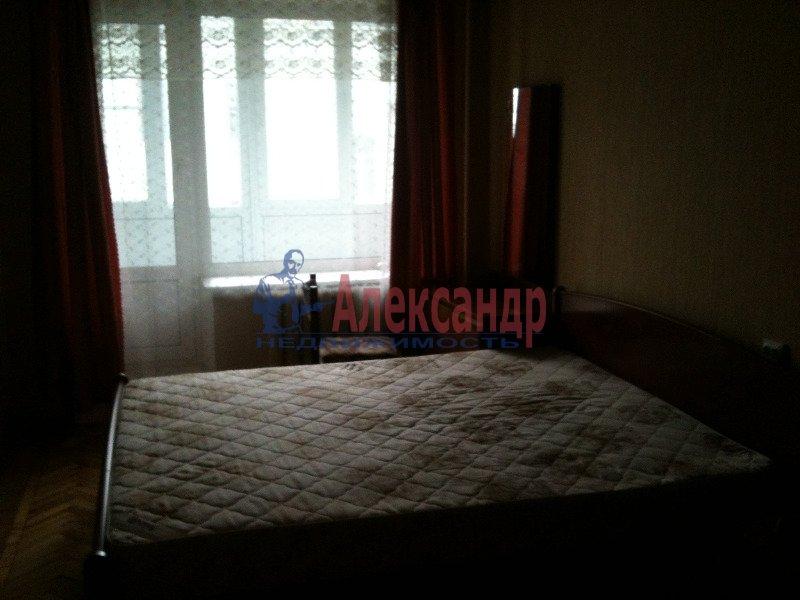 1-комнатная квартира (40м2) в аренду по адресу Науки пр., 13— фото 2 из 8