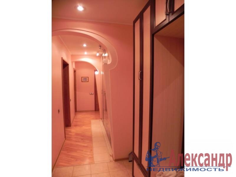 3-комнатная квартира (80м2) в аренду по адресу Звездная ул., 11— фото 10 из 17