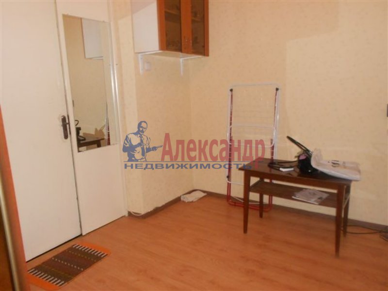 1-комнатная квартира (33м2) в аренду по адресу Купчинская ул., 6— фото 1 из 3