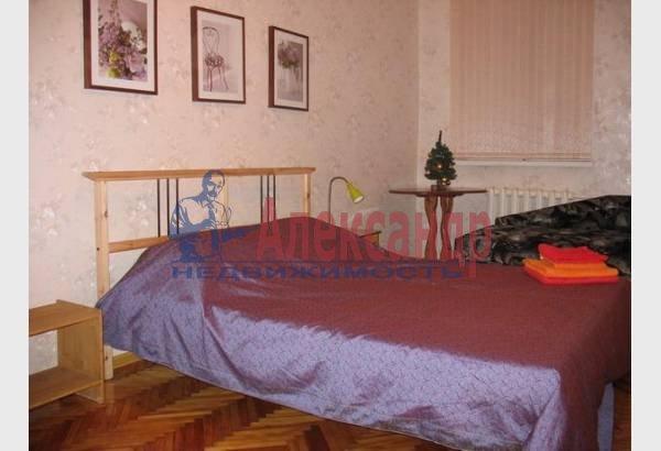 2-комнатная квартира (70м2) в аренду по адресу Марата ул., 4— фото 8 из 9