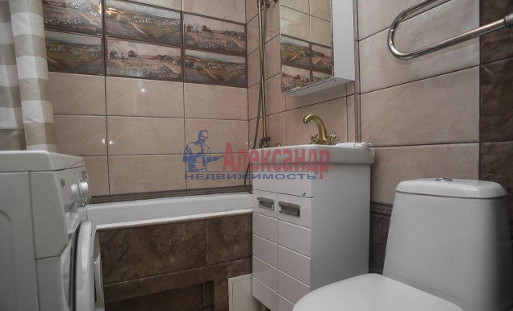 1-комнатная квартира (45м2) в аренду по адресу Михаила Дудина ул., 23— фото 3 из 3