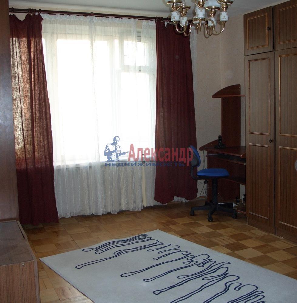 1-комнатная квартира (36м2) в аренду по адресу Карбышева ул., 4— фото 3 из 4
