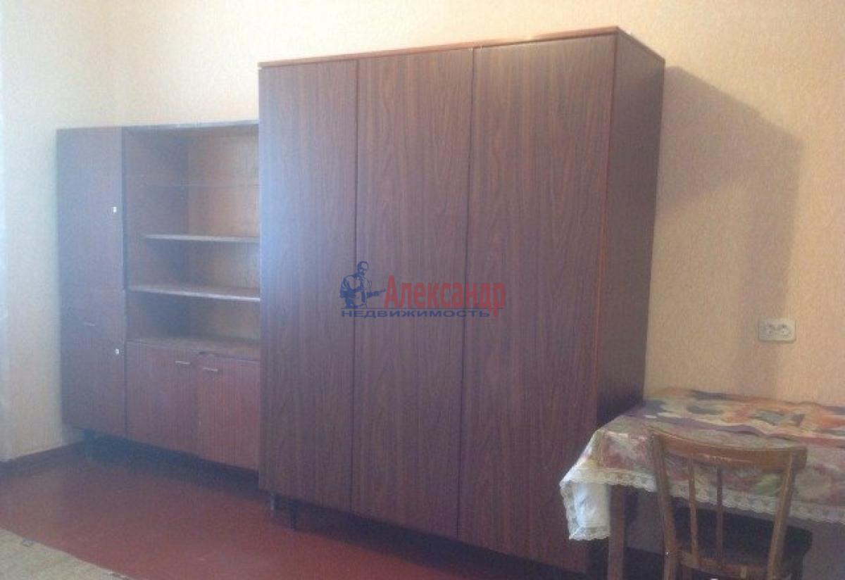 Комната в 2-комнатной квартире (38м2) в аренду по адресу Славы пр., 13— фото 2 из 2