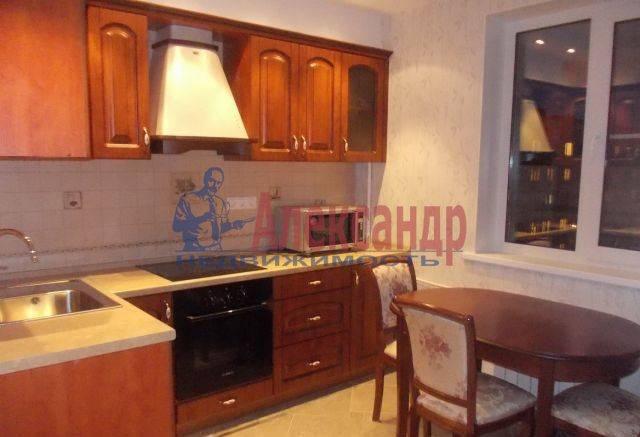 1-комнатная квартира (40м2) в аренду по адресу Хошимина ул., 7— фото 2 из 4