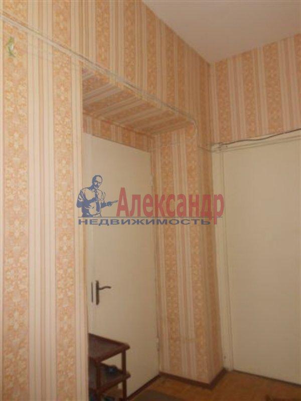 1-комнатная квартира (33м2) в аренду по адресу Купчинская ул., 6— фото 2 из 3