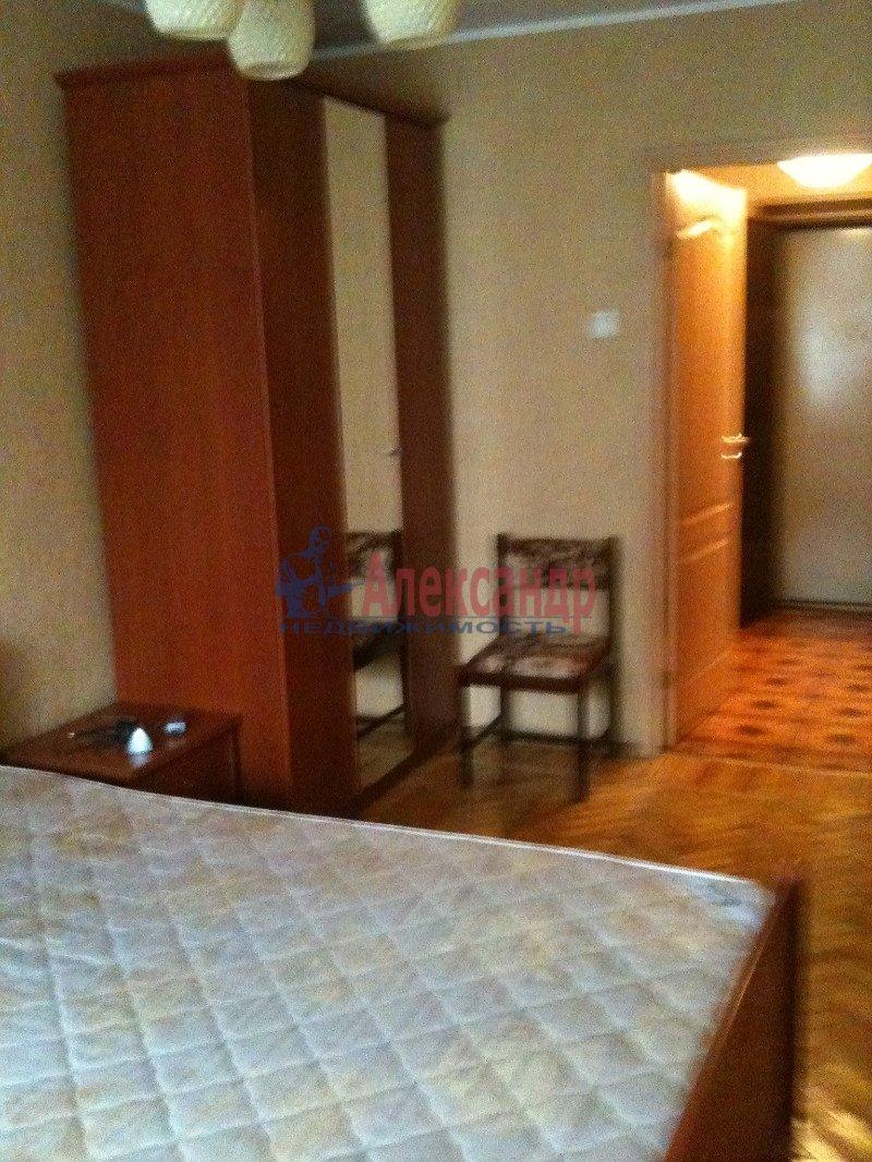 1-комнатная квартира (40м2) в аренду по адресу Науки пр., 13— фото 1 из 8
