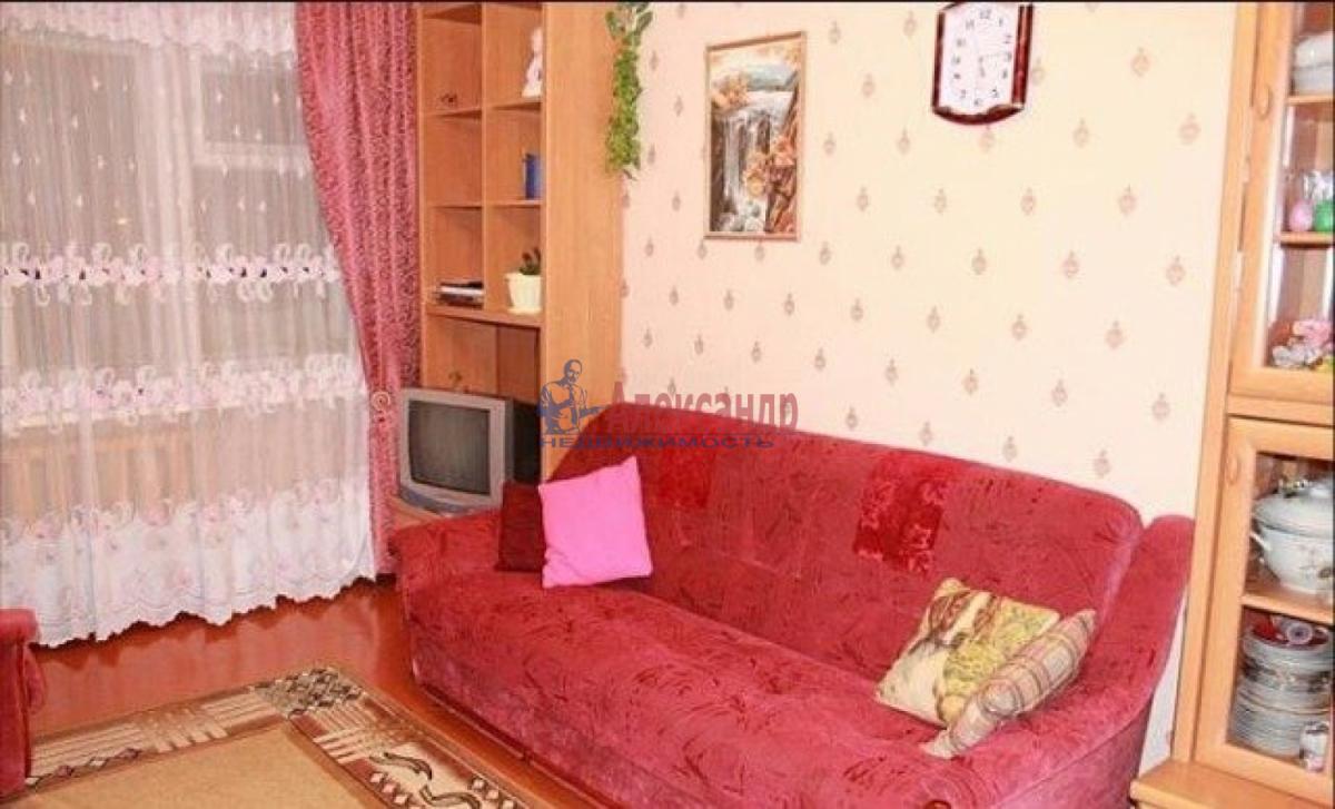1-комнатная квартира (36м2) в аренду по адресу Лени Голикова ул., 50— фото 2 из 3