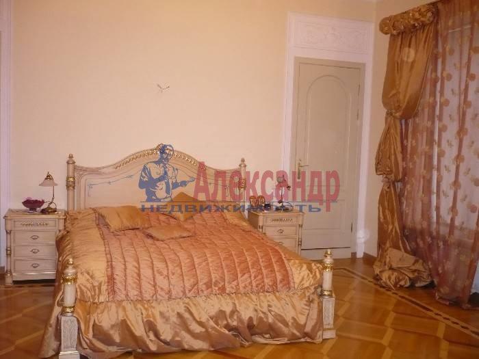 6-комнатная квартира (260м2) в аренду по адресу Итальянская ул.— фото 2 из 5