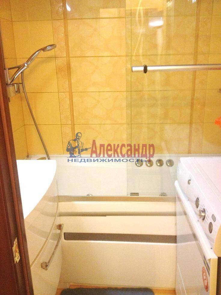 2-комнатная квартира (60м2) в аренду по адресу Испытателей пр., 6— фото 3 из 16