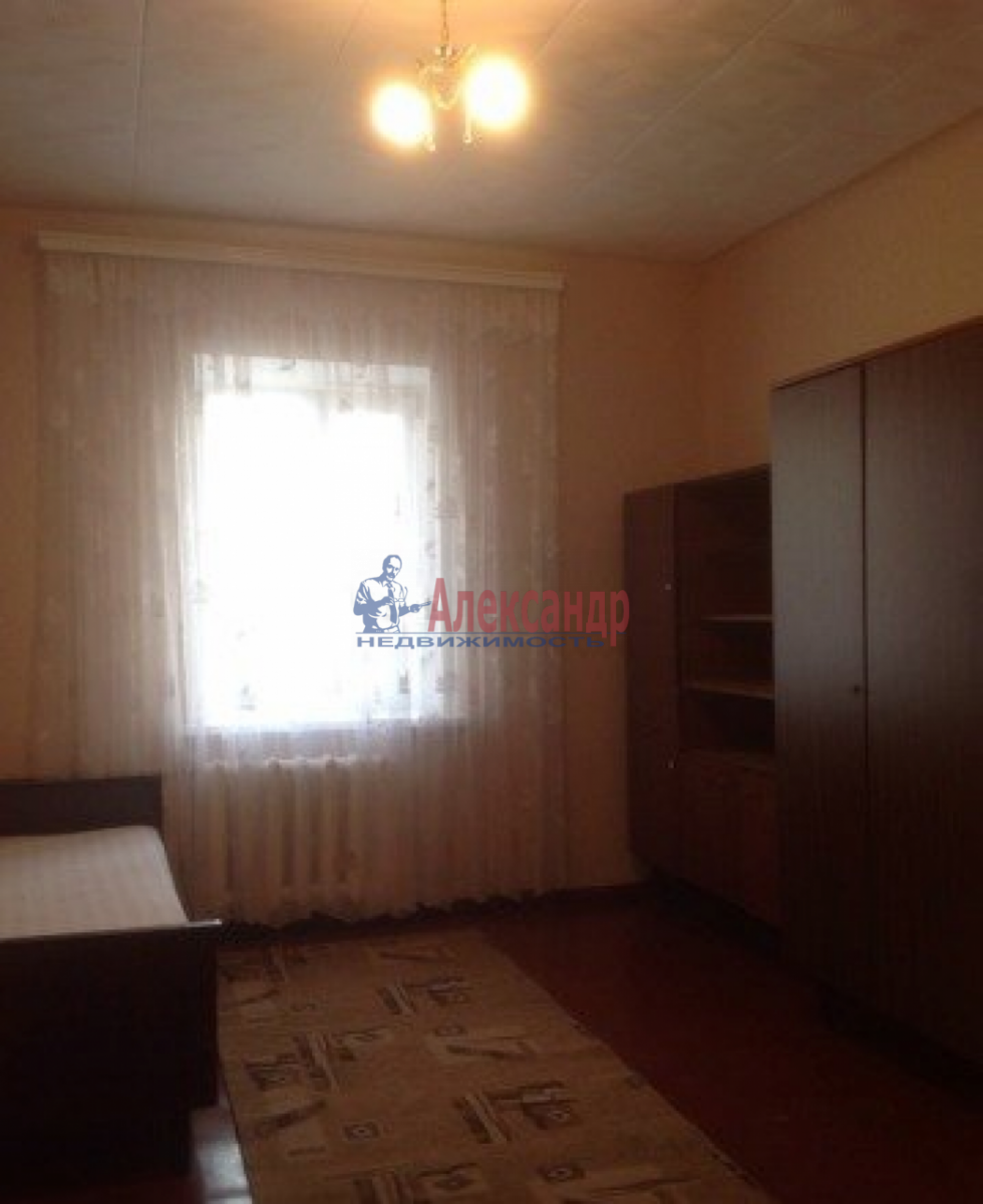 Комната в 2-комнатной квартире (38м2) в аренду по адресу Славы пр., 13— фото 1 из 2