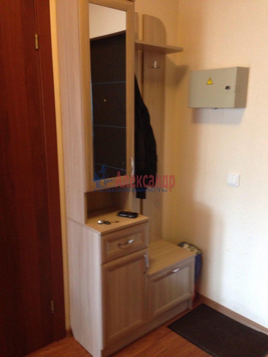 1-комнатная квартира (42м2) в аренду по адресу Оптиков ул., 35— фото 17 из 17
