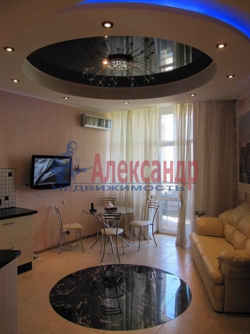 1-комнатная квартира (51м2) в аренду по адресу Большая Посадская ул., 12— фото 1 из 9