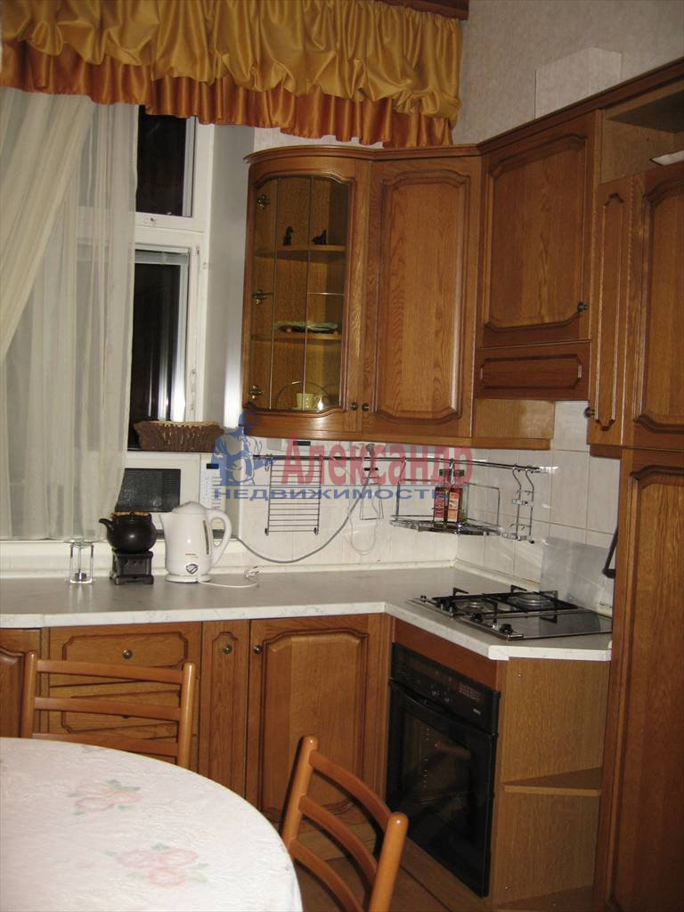 4-комнатная квартира (110м2) в аренду по адресу Малый пр., 26— фото 1 из 6