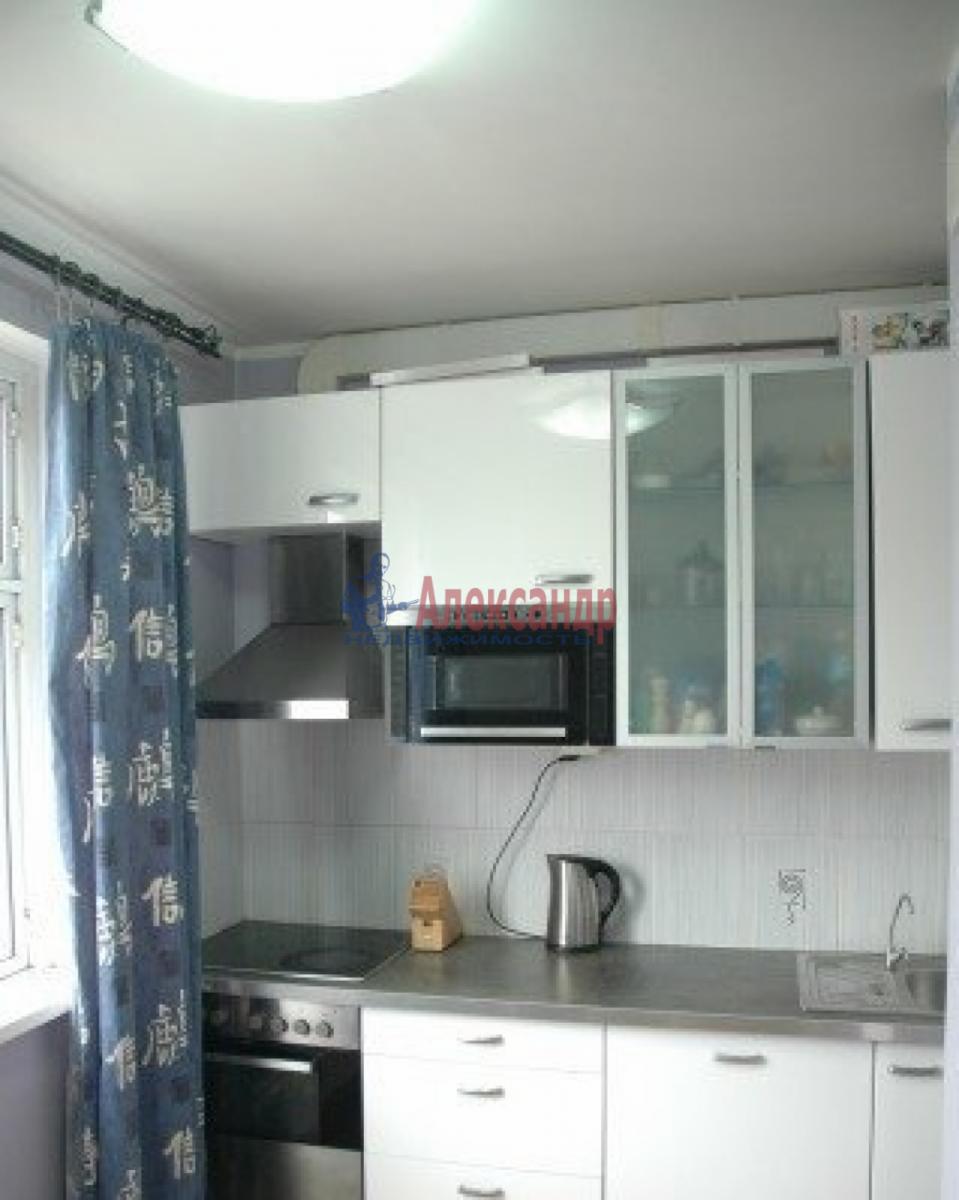 1-комнатная квартира (45м2) в аренду по адресу Обуховской Обороны пр., 110— фото 2 из 6