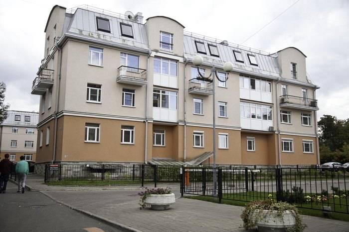 2-комнатная квартира (84м2) в аренду по адресу Пушкин г., Песочная ул., 2— фото 5 из 13