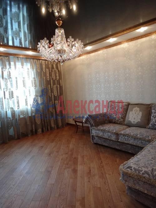 2-комнатная квартира (80м2) в аренду по адресу Реки Мойки наб., 16— фото 2 из 6