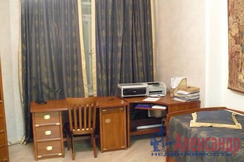 4-комнатная квартира (175м2) в аренду по адресу Кронверкская ул., 29/37— фото 7 из 10