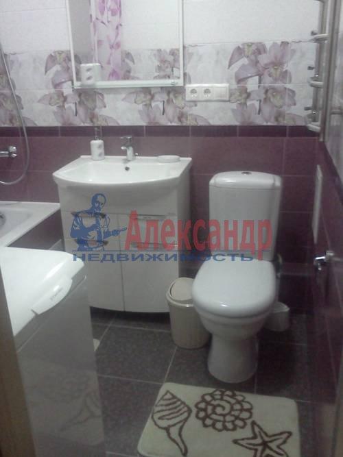2-комнатная квартира (70м2) в аренду по адресу Автовская ул., 15— фото 9 из 9