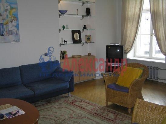 1-комнатная квартира (60м2) в аренду по адресу Реки Мойки наб., 6— фото 2 из 3