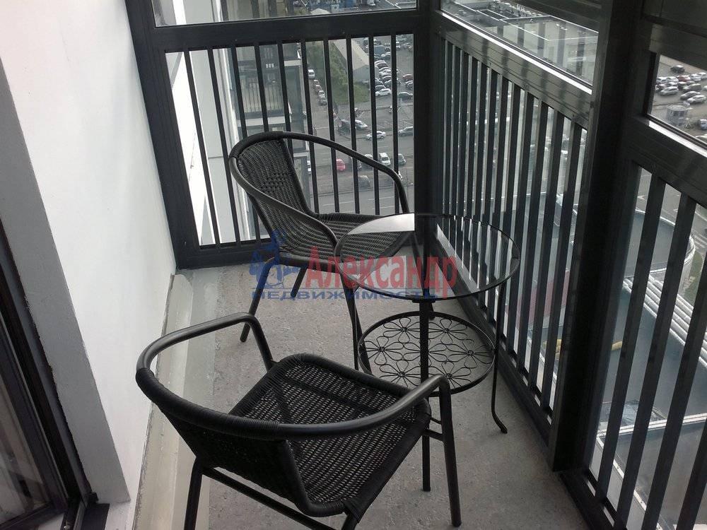 1-комнатная квартира (40м2) в аренду по адресу Композиторов ул., 12— фото 1 из 6
