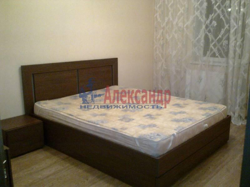 2-комнатная квартира (64м2) в аренду по адресу Космонавтов просп., 61— фото 2 из 5