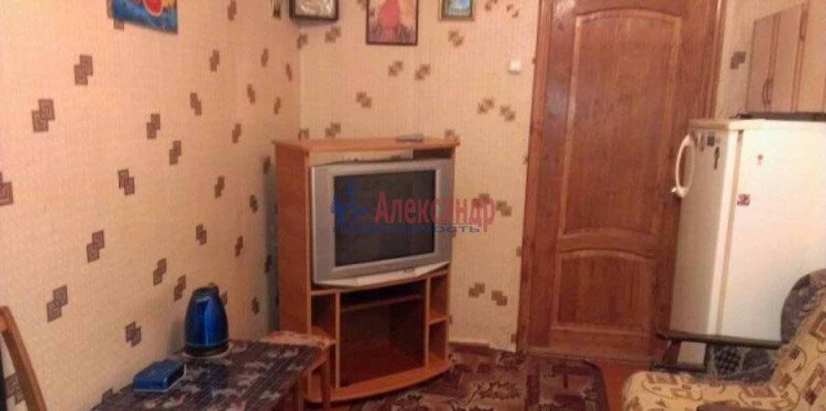 Комната в 3-комнатной квартире (54м2) в аренду по адресу Лени Голикова ул., 106— фото 2 из 2