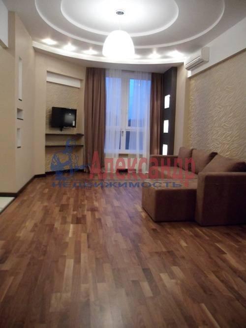 2-комнатная квартира (65м2) в аренду по адресу Ветеранов пр., 75— фото 1 из 6