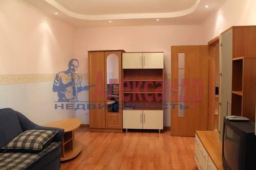 2-комнатная квартира (70м2) в аренду по адресу Просвещения пр., 34— фото 8 из 8