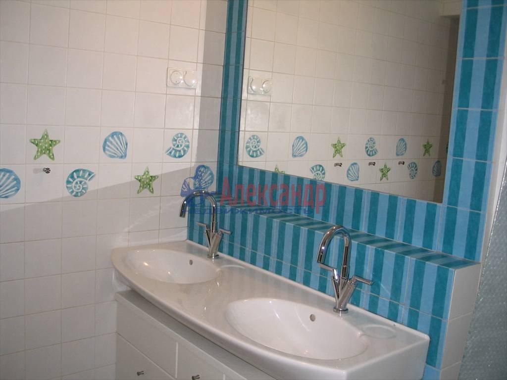 3-комнатная квартира (130м2) в аренду по адресу Миллионная ул.— фото 26 из 45