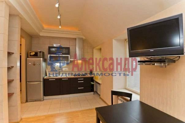 3-комнатная квартира (113м2) в аренду по адресу Кирочная ул., 16— фото 1 из 11