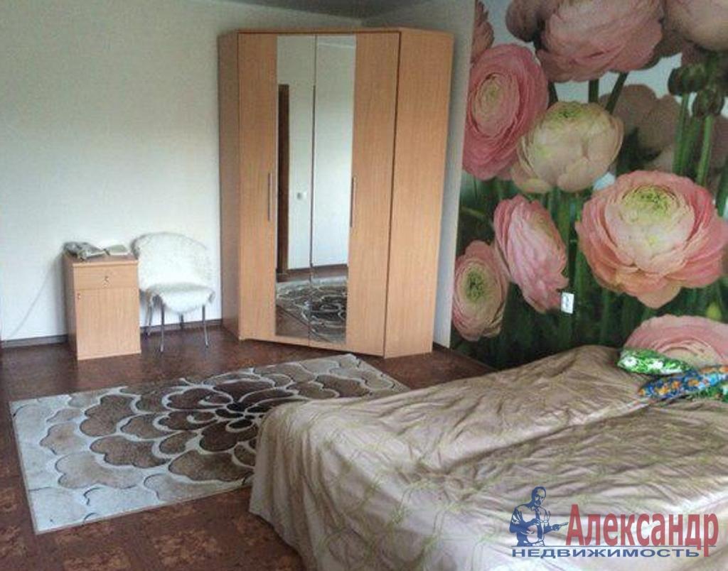 2-комнатная квартира (48м2) в аренду по адресу Лени Голикова ул., 15— фото 2 из 3