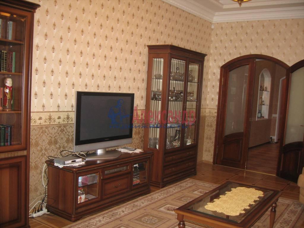 4-комнатная квартира (145м2) в аренду по адресу Большой пр., 70/72— фото 1 из 6