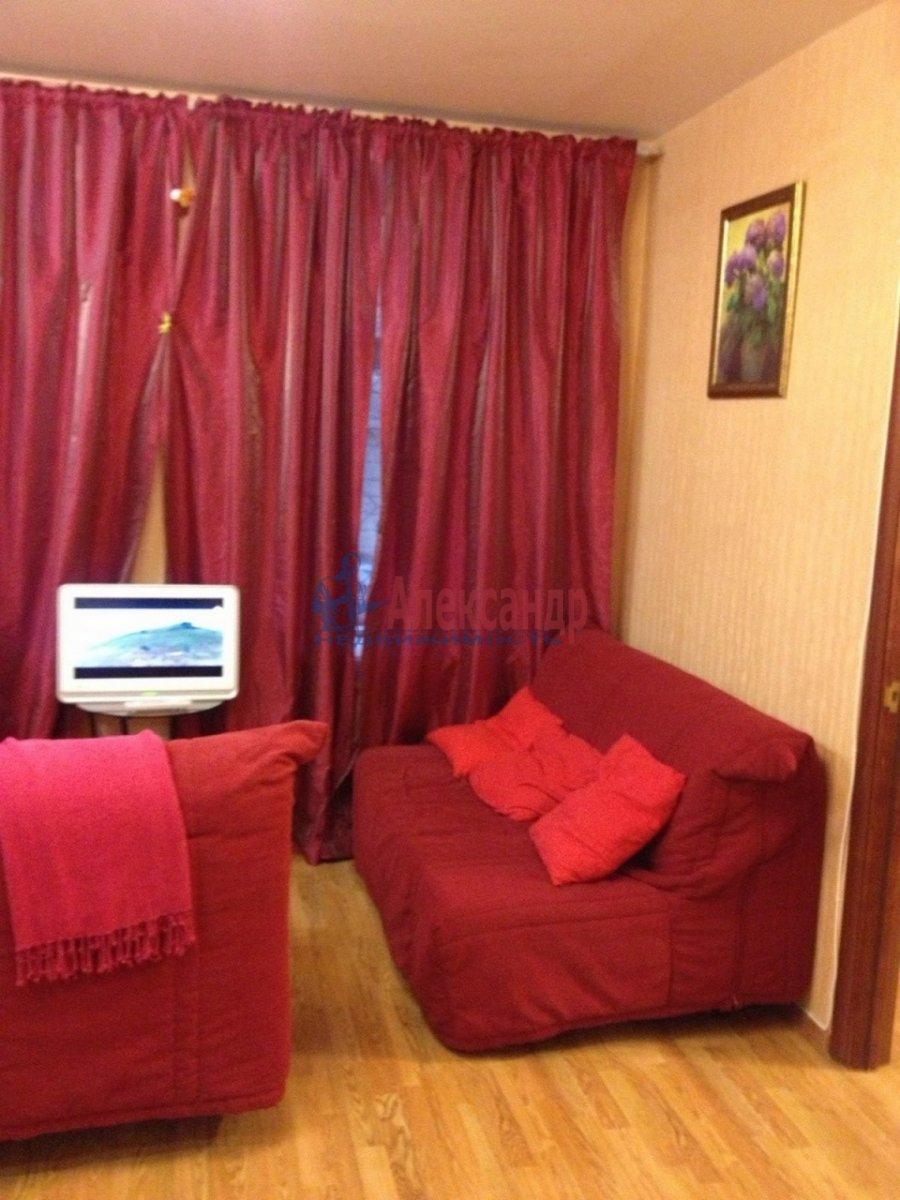 2-комнатная квартира (50м2) в аренду по адресу Шпалерная ул., 44— фото 3 из 12