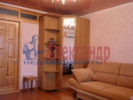 1-комнатная квартира (41м2) в аренду по адресу Космонавтов просп., 37— фото 2 из 3