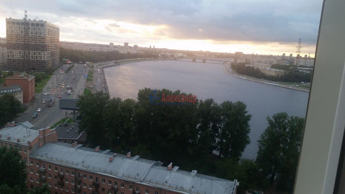 2-комнатная квартира (59м2) в аренду по адресу Обуховской Обороны пр., 110— фото 14 из 18