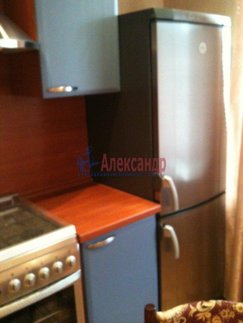 1-комнатная квартира (40м2) в аренду по адресу Науки пр., 13— фото 6 из 8