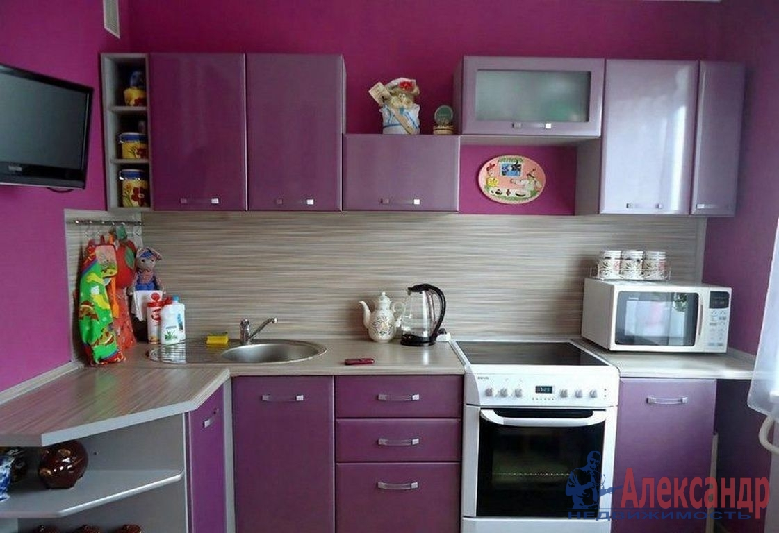 1-комнатная квартира (39м2) в аренду по адресу Нахимова ул., 20— фото 2 из 3