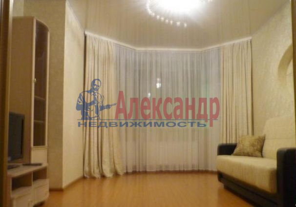 1-комнатная квартира (43м2) в аренду по адресу Поликарпова аллея, 2— фото 2 из 5