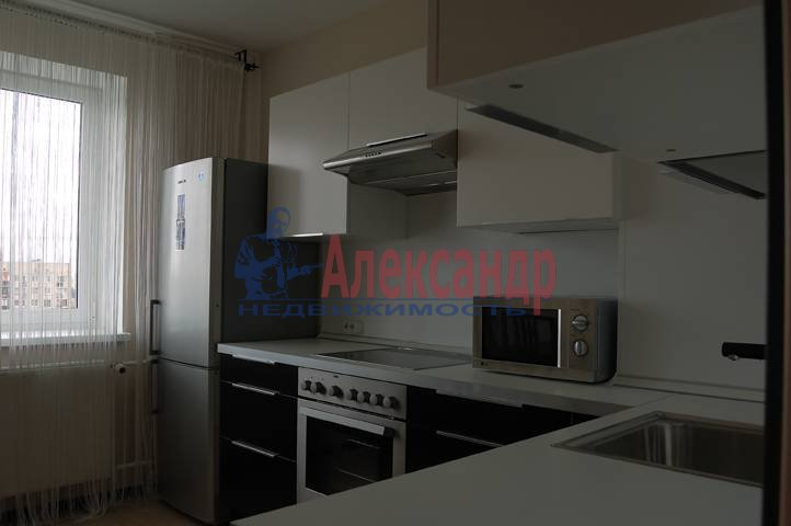 2-комнатная квартира (50м2) в аренду по адресу Космонавтов просп., 61— фото 4 из 11