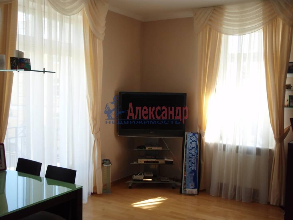 3-комнатная квартира (64м2) в аренду по адресу Павловск г.— фото 1 из 5