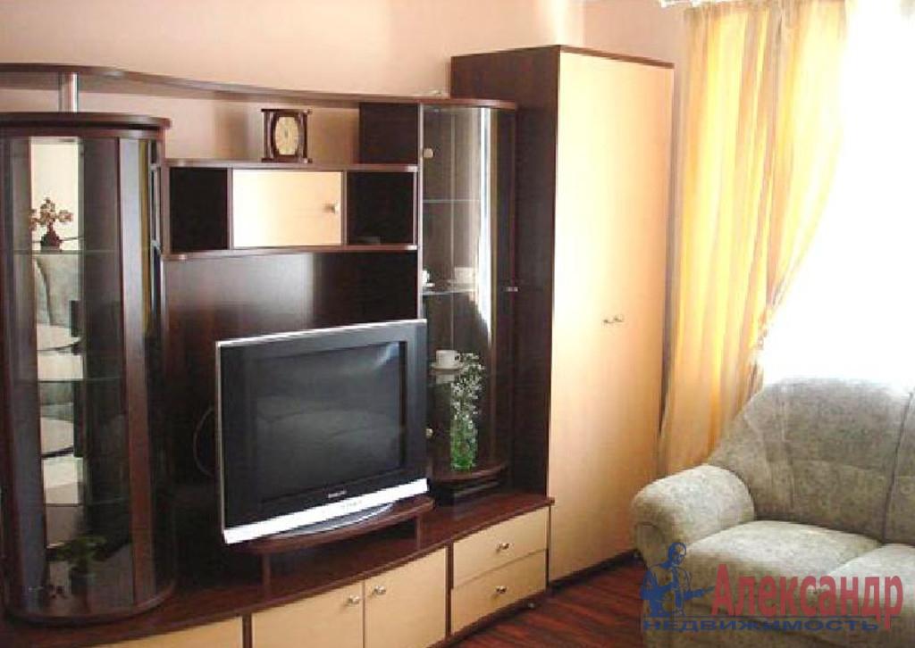 1-комнатная квартира (43м2) в аренду по адресу Оптиков ул., 50— фото 1 из 3